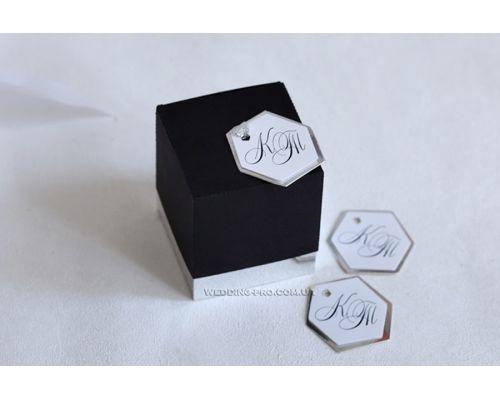 """Маленькая коробочка из бумаги  с вашими инициалами """"Куб 2 в 1"""""""