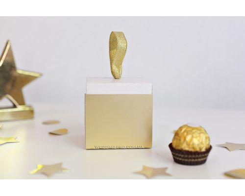 Бонбоньерка коробочка бело-золотая