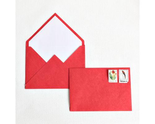 Красный конверт крафт
