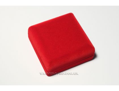 Коробочка для браслета или часов красная бархатная