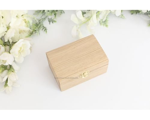 Деревянная шкатулка с натуральным мхом