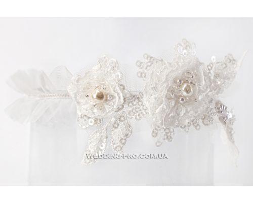 """Подвязка на ногу невесте """"Версаль"""" с расшитым украшением"""