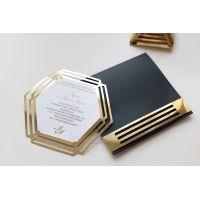 """Пригласительные черные с золотом """"Геометрия"""" в конверте"""