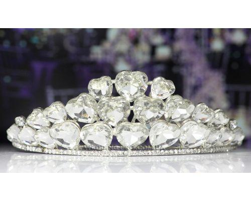 Диадема на свадьбу с крупными камнями в виде сердца